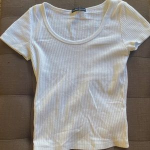 Brandy Melville white zelly top